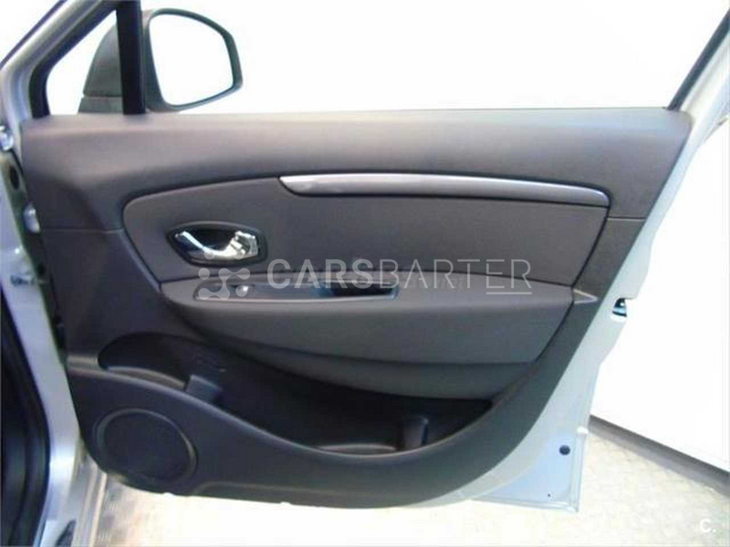Renault Grand Scenic dCi Limited Energy eco2 96 kW (130 CV) 130cv 2016 - Madrid. 16